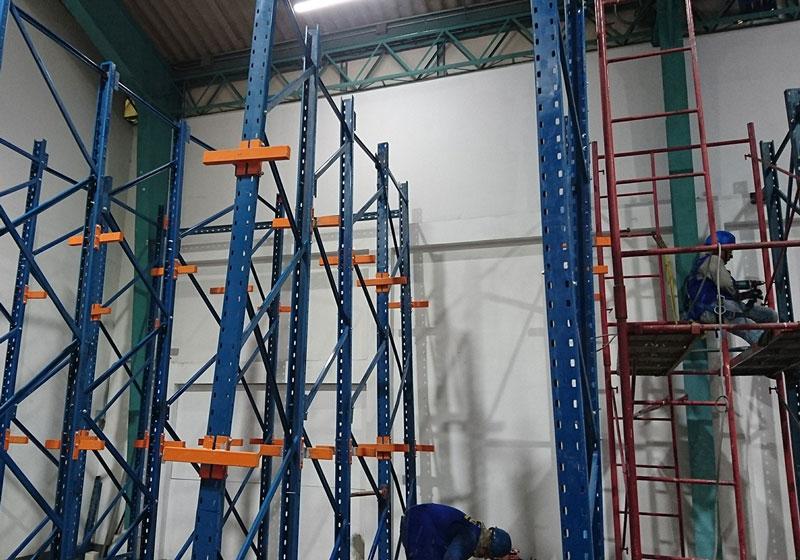 Instalación racks para almacenes
